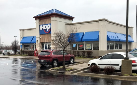 Merrillville, IN: front of & entrance to IHOP