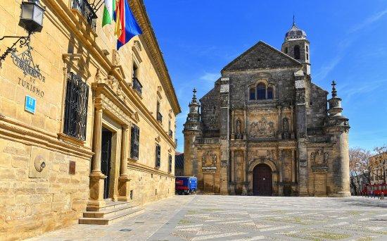 Parador de Ubeda: Palacio Parador y sacra capilla del Salvador.