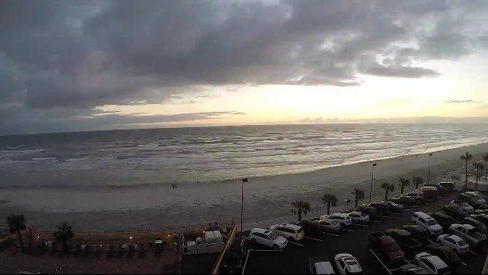 Holiday Inn Resort Daytona Beach Oceanfront: Suit facing the ocean