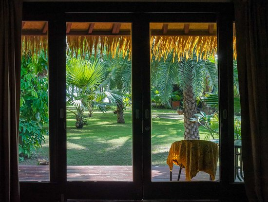 Mali Resort Pattaya Beach Koh Lipe: From the bed
