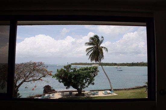 Foto de Crown Point Beach Hotel