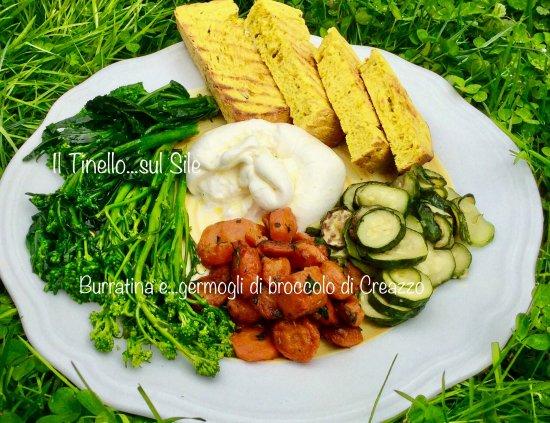 Dove mangiare vegetariano a Casale sul Sile...Piatto burratina con germogli di broc. fiolaro 11