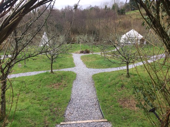 Leitrim, Ierland: The view into the garden
