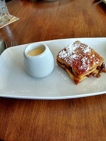 Rolleston-on-Dove, UK: Tasty Brioche Bread and Butter Pudding