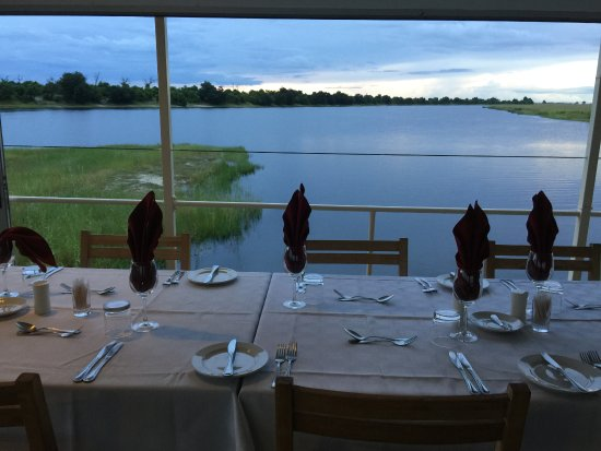 Kasane, Botswana: sunset dining