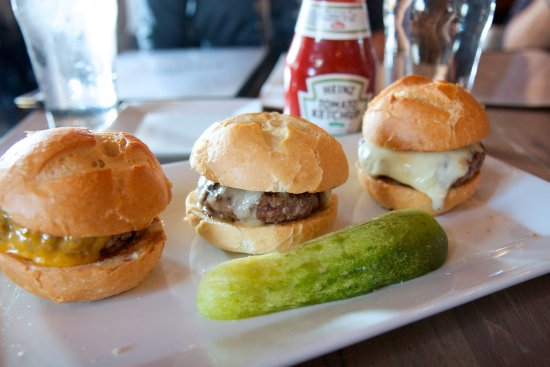 Fairfield, CT: Little Pub Sliders
