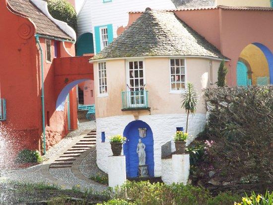 PortMeirion village cottage