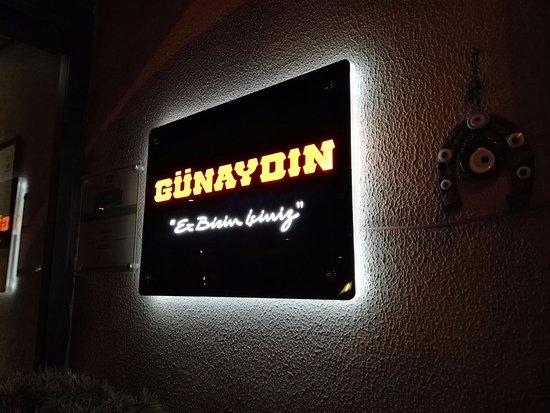 Gunaydin Kebap Restaurant : Sing