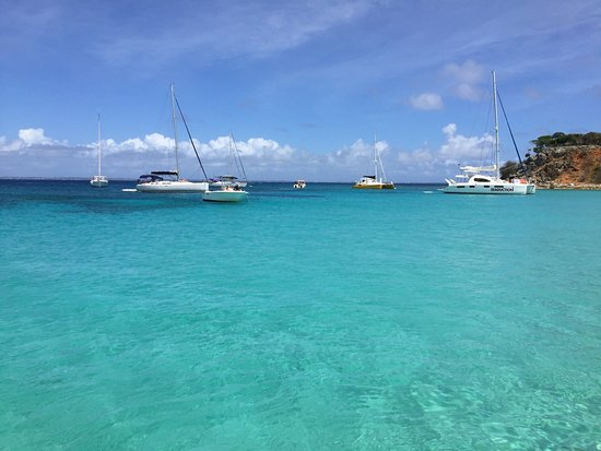 Oyster Pond, St-Martin/St Maarten : clear water for snorkeling