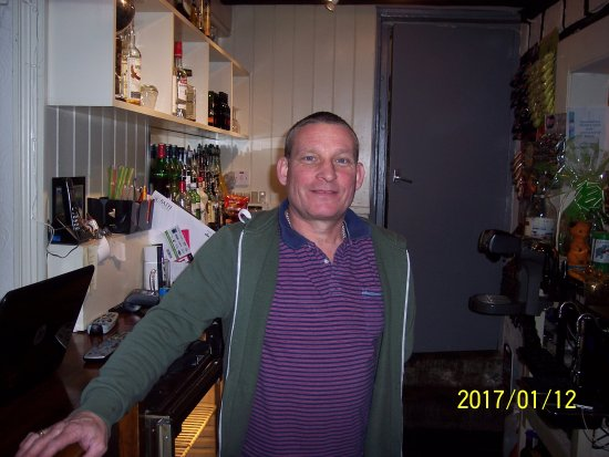 Highworth, UK: Mine host..... the landlord.