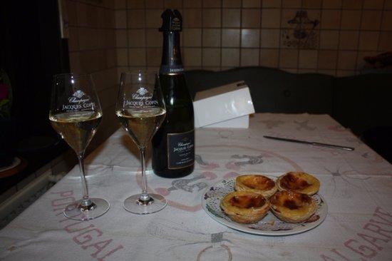 Verneuil, Francia: Champagne Copin, l'invité de tous les bons moments.
