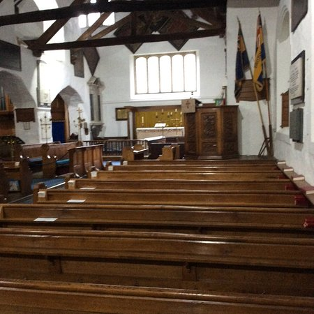 Grasmere, UK: A well loved church in the heart of a busy shopping area.