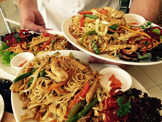 Old Continental Cafe Take Away Chinese Stir Fry Egg Noodles With Mixed Vegetables