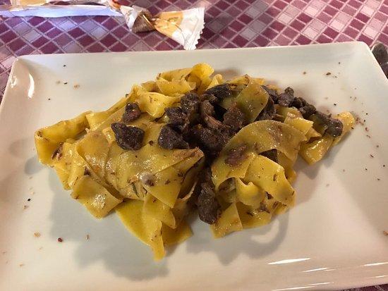 Creazzo, Italia: Ci siamo fermati per caso in questa trattoria, mangiato molto bene e prezzi più che ottimi! Pecc