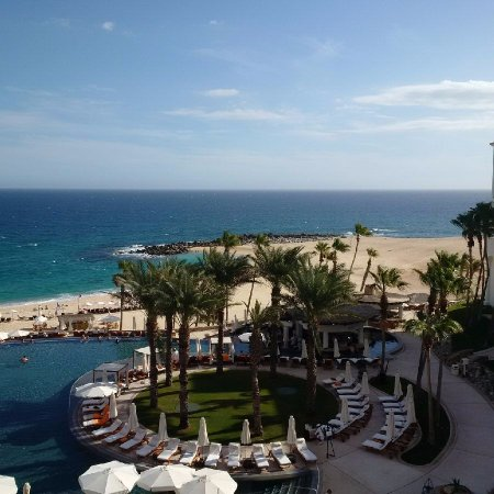 Hilton Los Cabos Beach & Golf Resort: beach view from the room