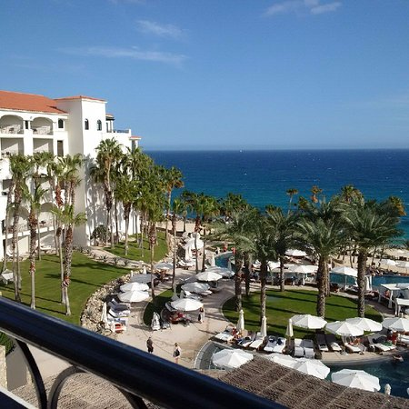 Hilton Los Cabos Beach & Golf Resort: also view from the room - gorgeous property