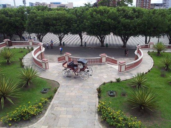 Théâtre Amazonas : Vista a partir da sacada do Teatro Amazonas...