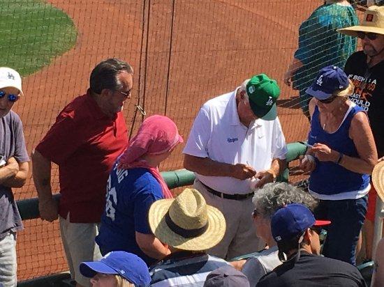Goodyear, AZ: Autograph time