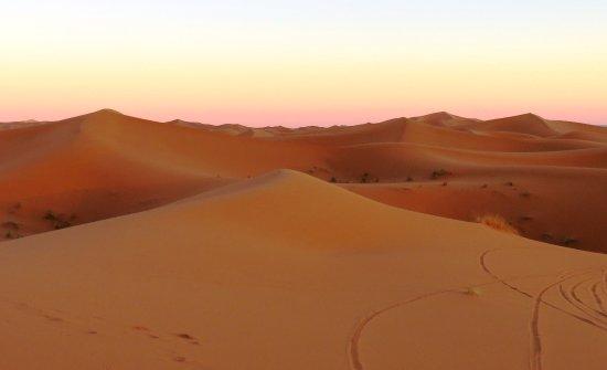 Erg Chebbi: las dunas al caer el sol