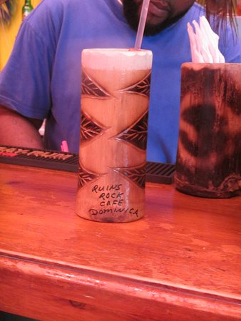 Ruins Rock Cafe : Delicious rum punch.