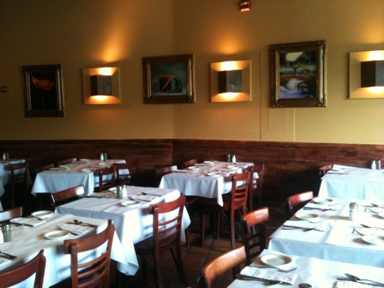 Rachel's Cafe : Dining