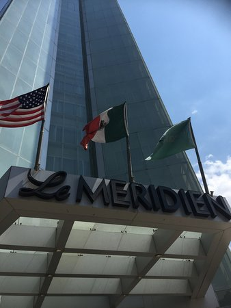 Le Meridien Mexico City: The front of the Hotel