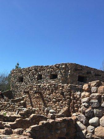 Besh Ba Gowah: Walls of an ancient city.