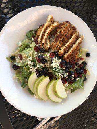 Gordon Biersch Brewery Restaurant : Salade appétissante