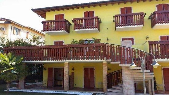Cavaion Veronese, Italien: FB_IMG_1490557010550_large.jpg