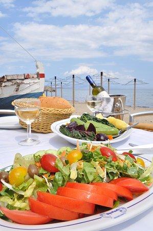 Marathon, Hellas: Πράσινη και βραστή σαλάτα.