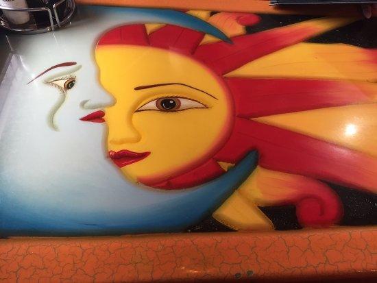 Mankato, MN: Sun and Moon table