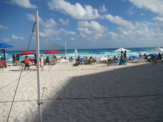 Forum Beach Cancun: Looking out over the beach #4