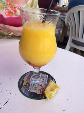 Riverside Cafe: Kiss on the Lips - tasted like peaches - excellent
