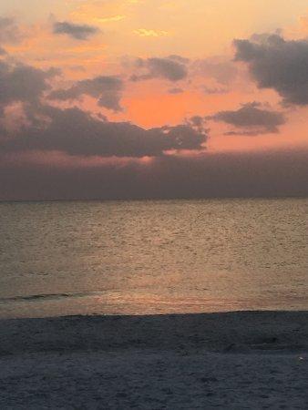 Hilton Marco Island Beach Resort: photo1.jpg