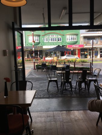 Te Awamutu, New Zealand: Great latte and Americano - staff friendly and the food looked great parking easy on main road