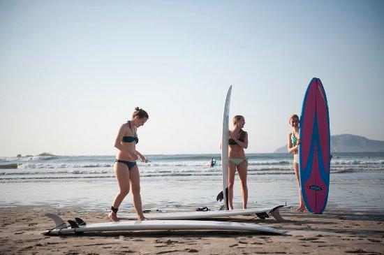 Hotel Capitan Suizo: Surf lessons!