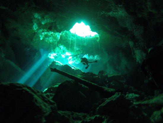 Divers UnderGround: First cavern dive