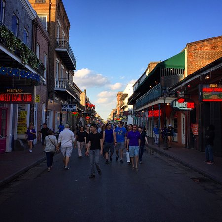 Bourbon Street: Weekdays are more pleasant