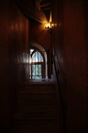 Bevilacqua, Italië: la scala priva interna alla suite