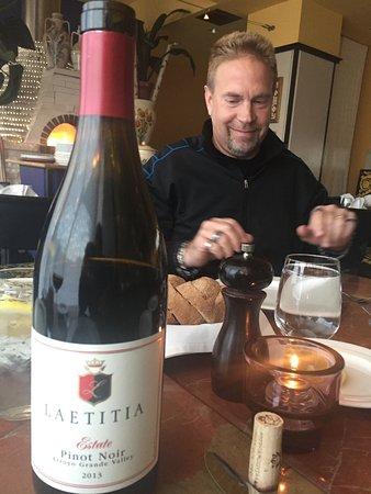 Girasole Ristorante: Great value for Latitia Estate Pinot Noir