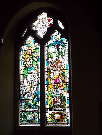 Bladon, UK: Recently installed stained glass window