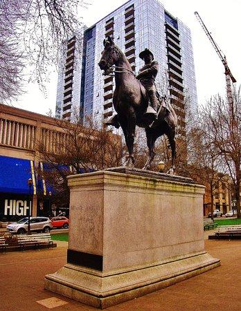South Park Blocks: Teddy Roosevelt statue