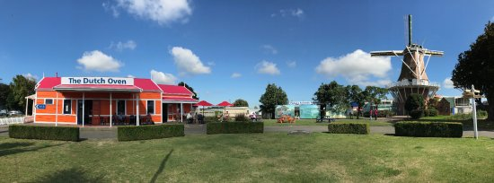 Foxton, New Zealand: The Dutch Oven & de Molen
