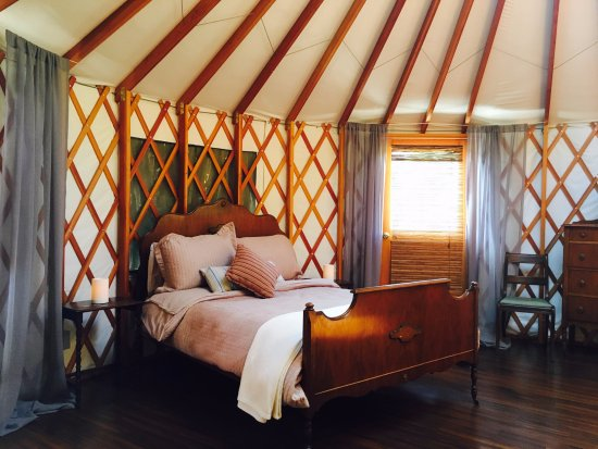 The Yurts at Merridale Cidery & Distillery: The Tremlett Yurt is equipped  with a double