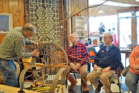 Ely, MN: Bent willow chair construction