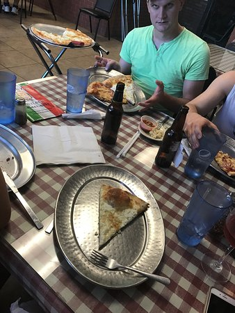 Lenny's NY Pizza: photo0.jpg
