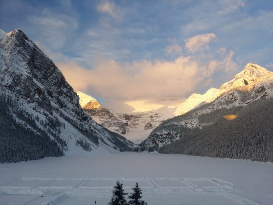 Lago Louise: View of Lake Louise from the Fairmount