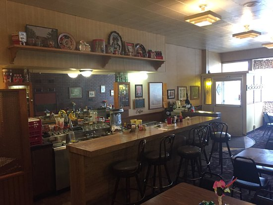 Elkhorn, WI: Nice home style diner in a quaint downtown.  Great comfort food with all day breakfast as well a