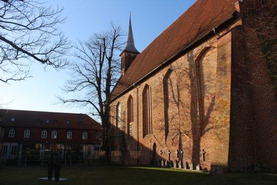 Ribnitz-Damgarten, Jerman: Klosterrückseite