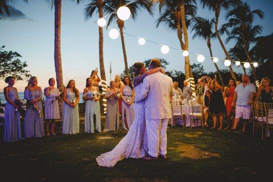 Flamingo Beach Resort & Spa: Garden wedding reception